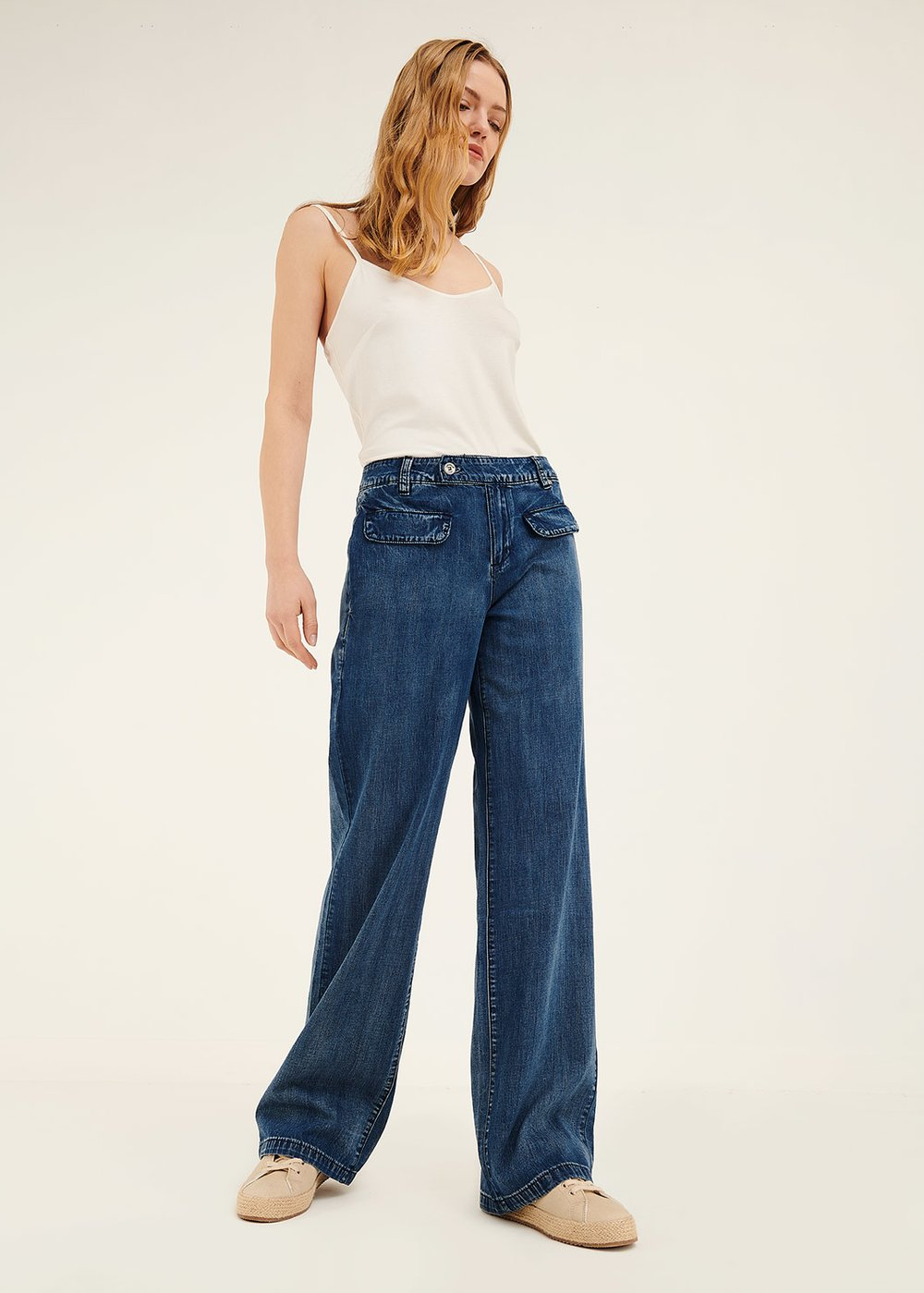 Dark denims with front flaps - Light Blue - Woman