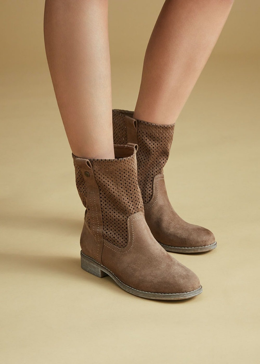 Sunny boots with openwork - Taupe - Woman