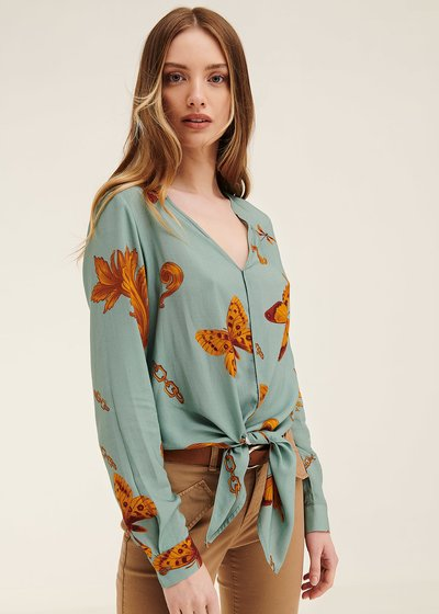 Chery shirt with butterfly pattern