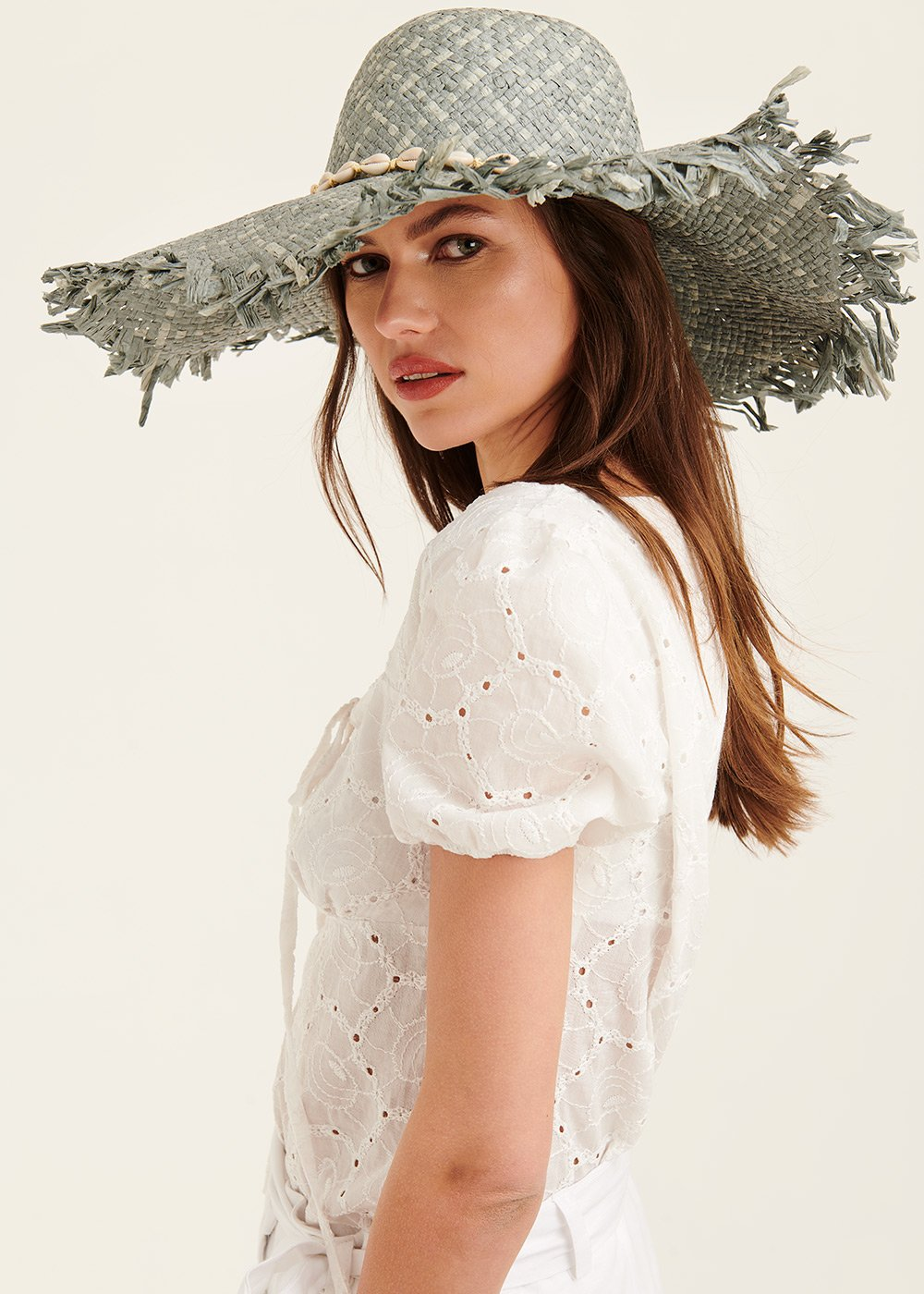 Catryn hat with shell decoration - Sasso / Brezza - Woman