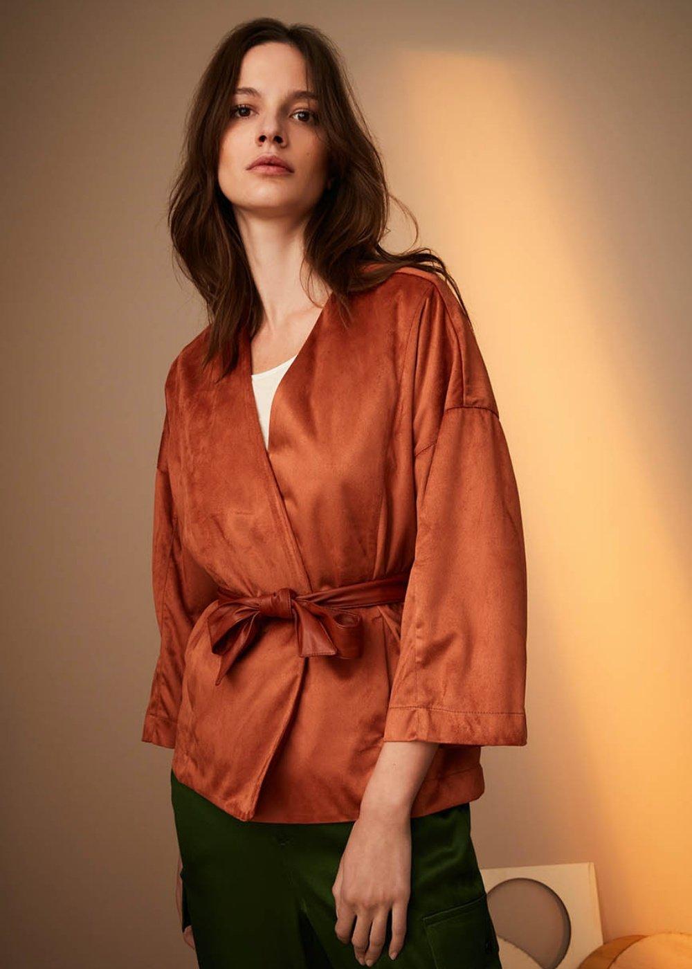 Megan shrug in paired fabric - Pecan - Woman
