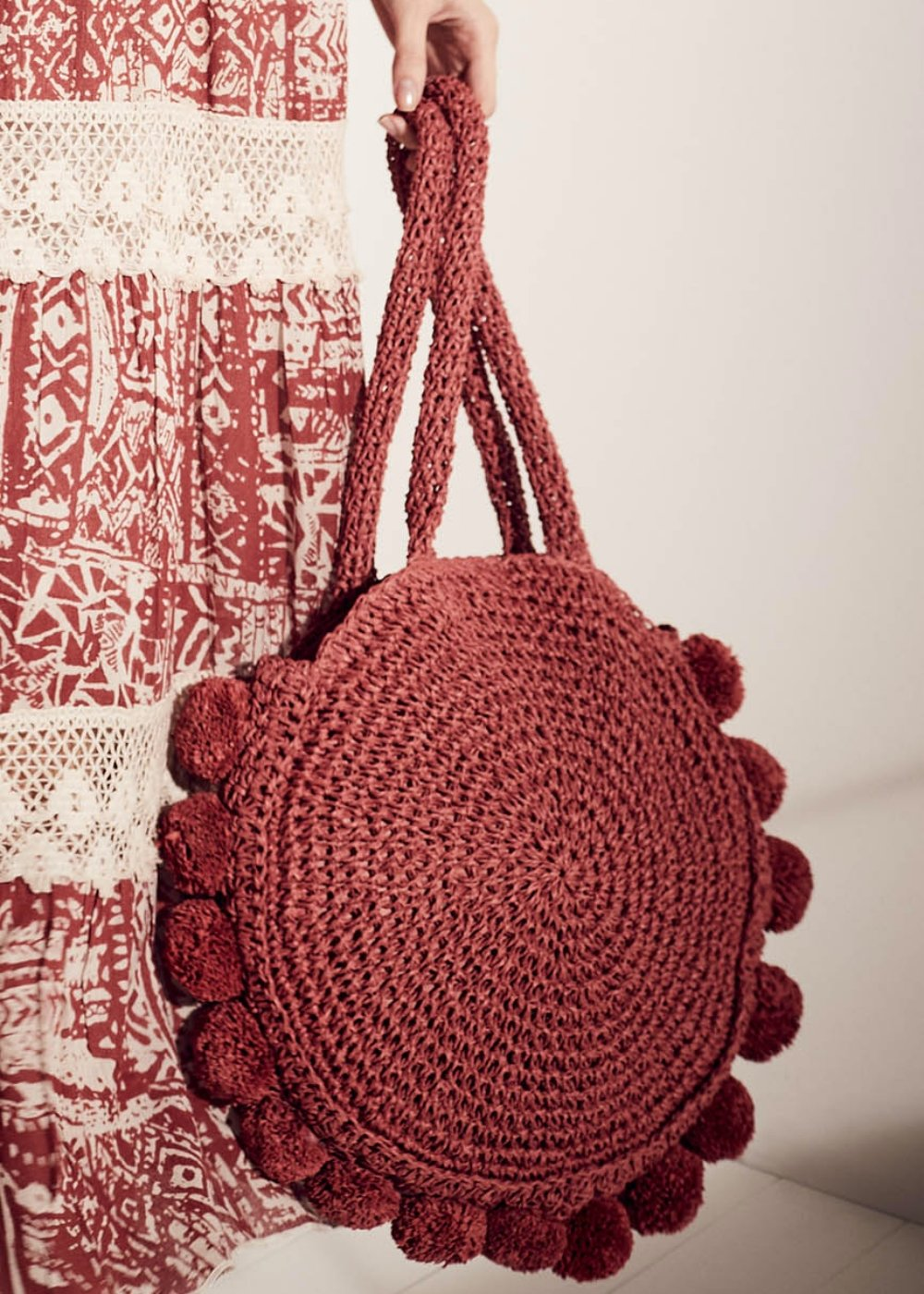 Beckie round shopping bag with pom-pom - Cherry - Woman