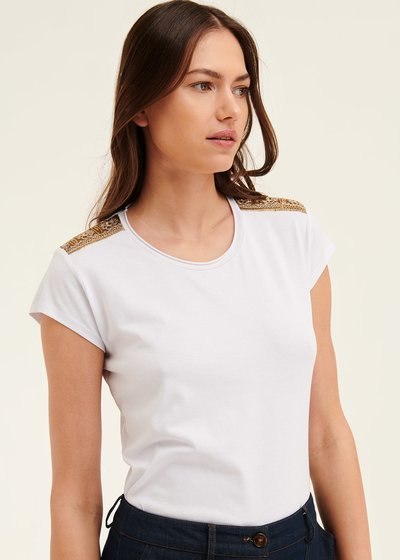 Kate t-shirt with shoulder patches