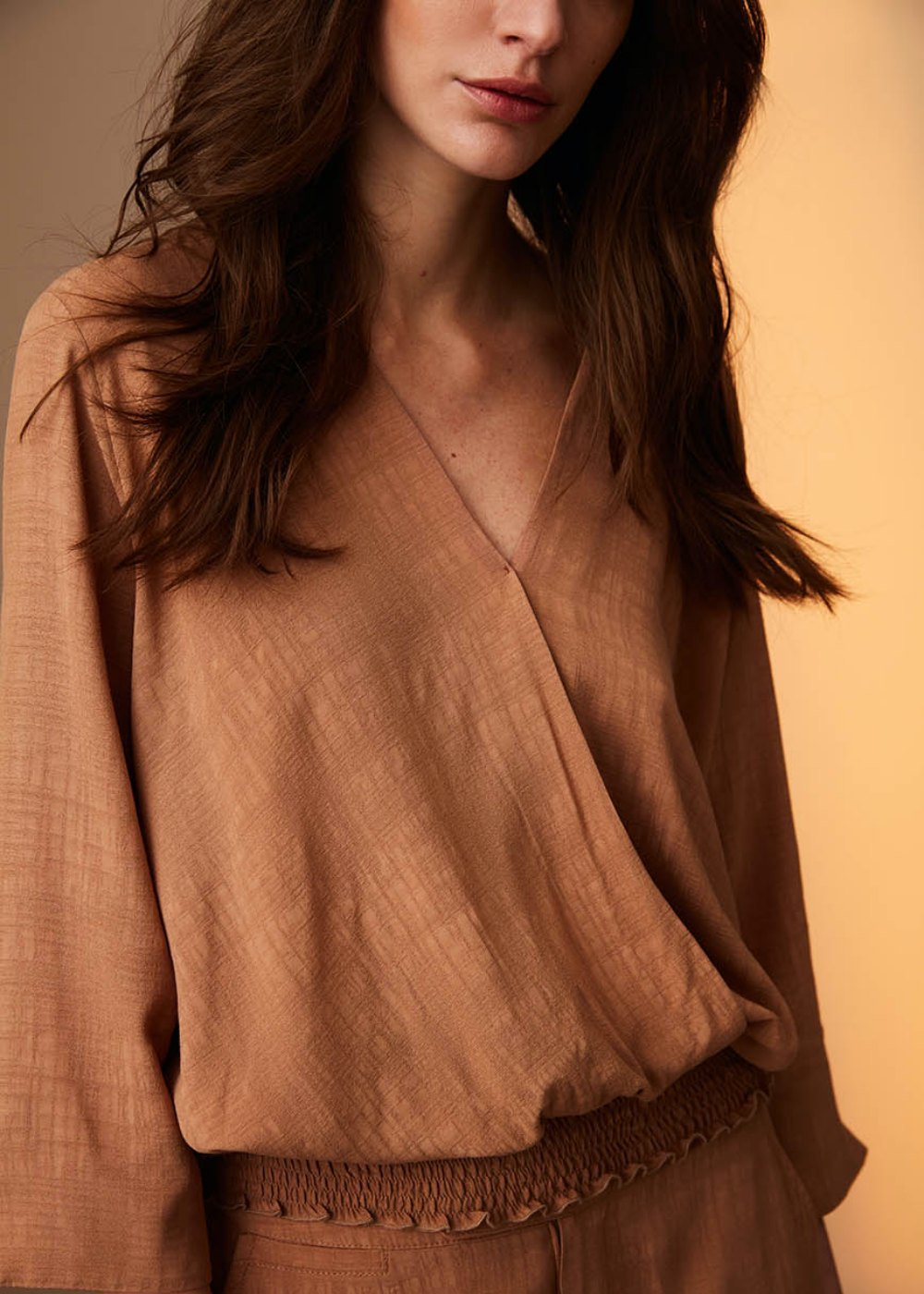 Elena blouse with crossed neckline - Camel - Woman