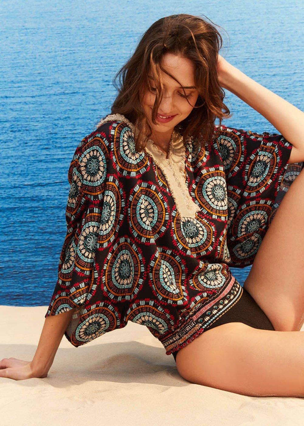 Salena t-shirt with ethnic rosette pattern - Black / Turchese Fantasia - Woman
