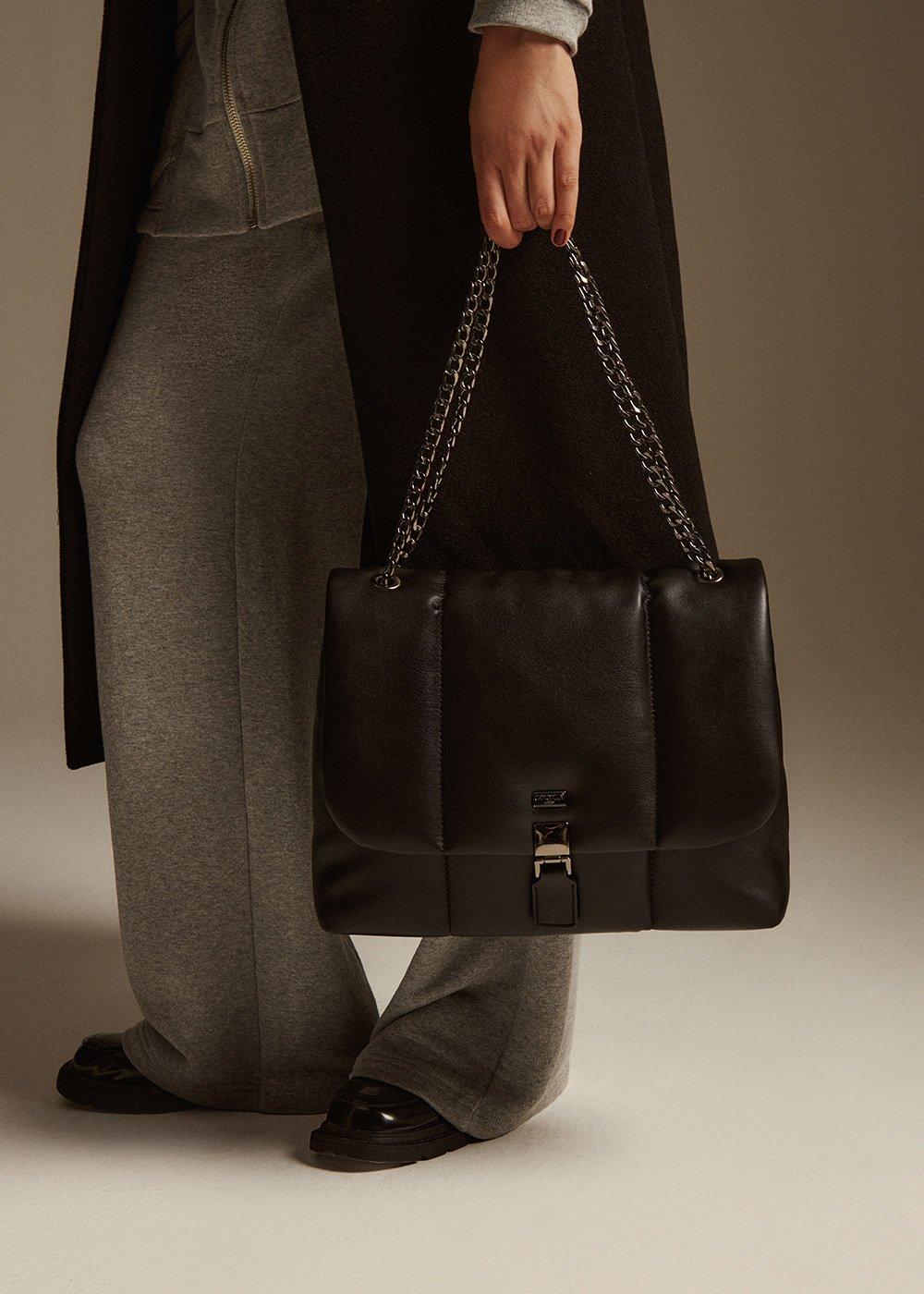 Biarn bag with flap - Black - Woman