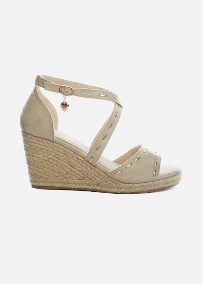 Spunta Sandals with straw wedge and gold pendant - Light Beige