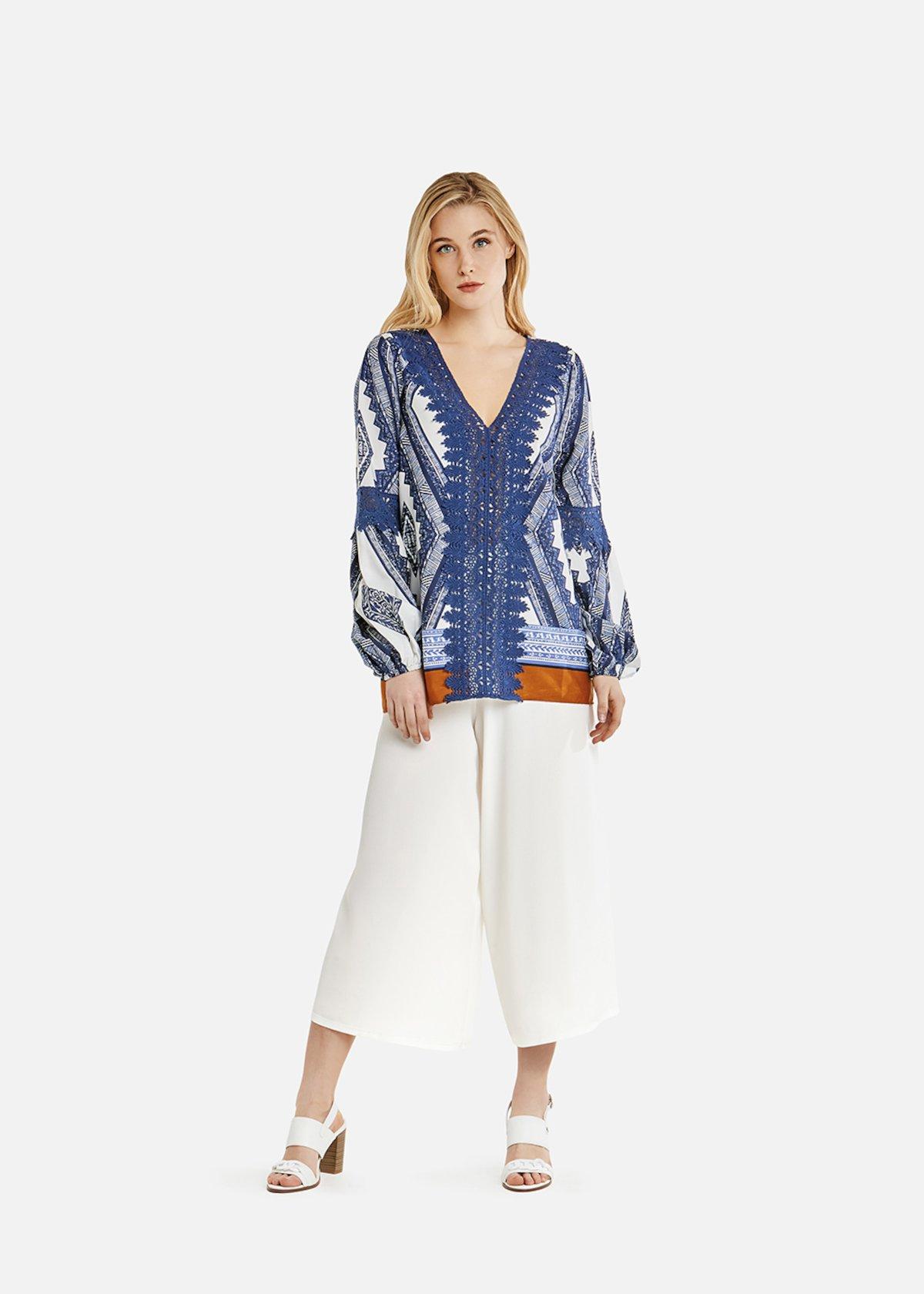 Blusa Camelis con dettaglio crochet