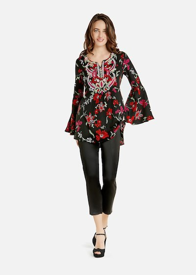 Cressie blouse with thread embroidery in tone on the neckline