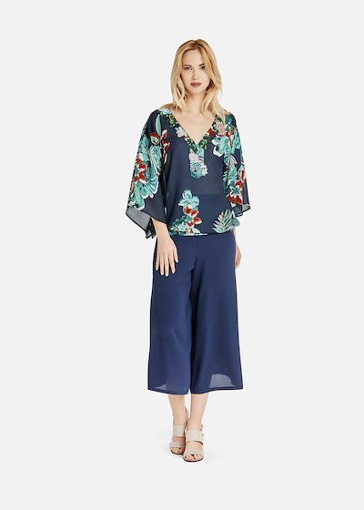 Carey blouse with V-neck and flush embroidery