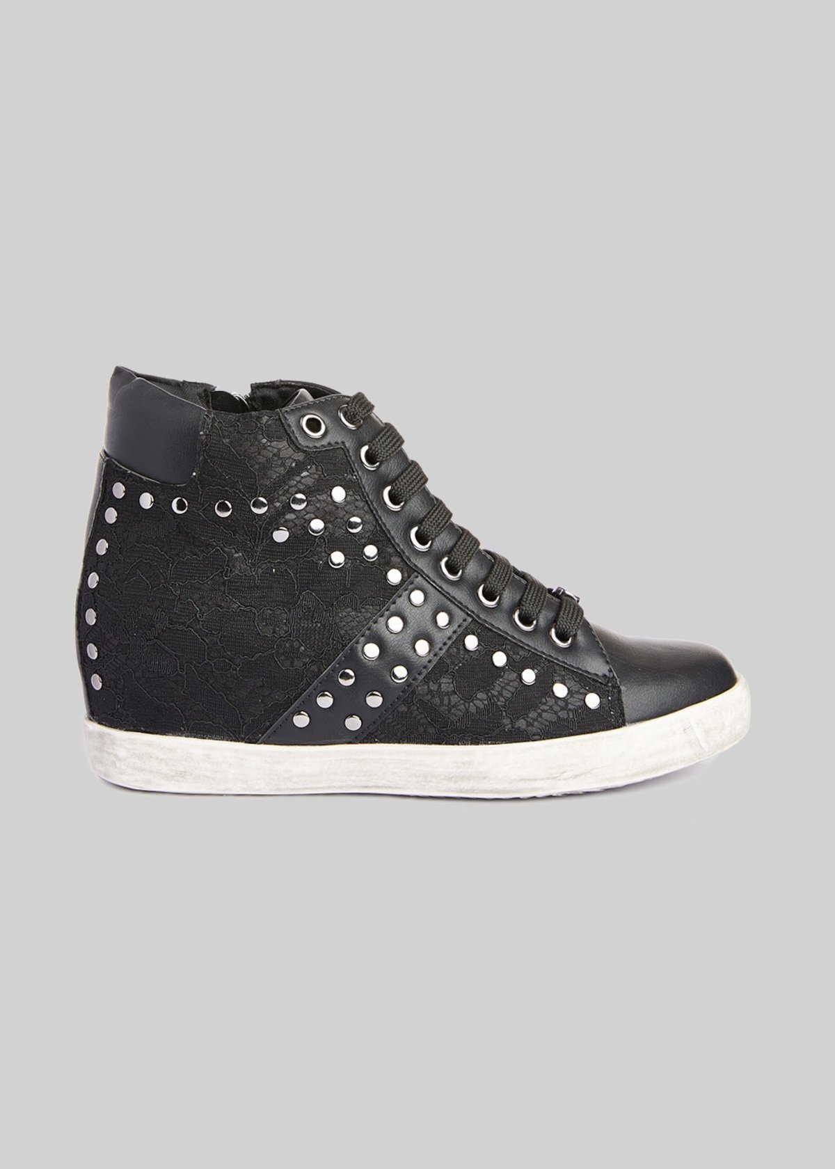 Faux leather and Microfiber Sasha sneakers with lace detail