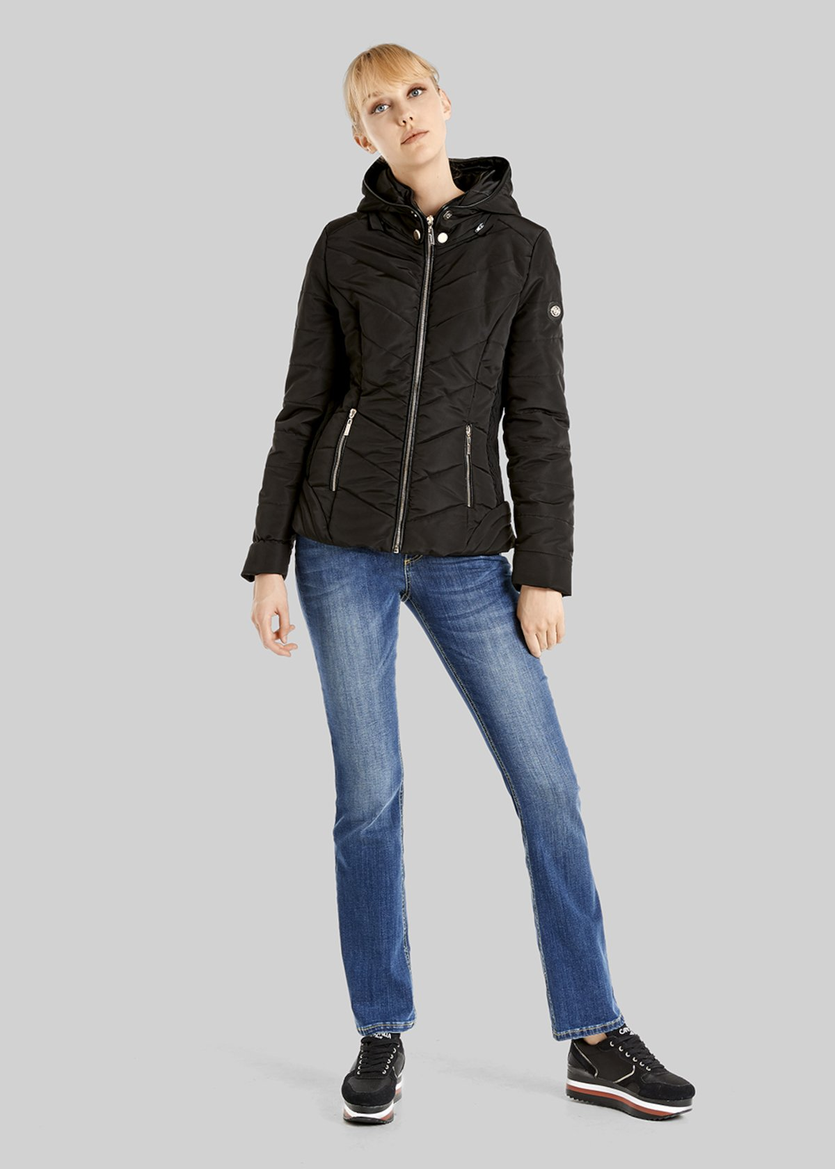 Prince short down jacket with oblique stitching and removable neck