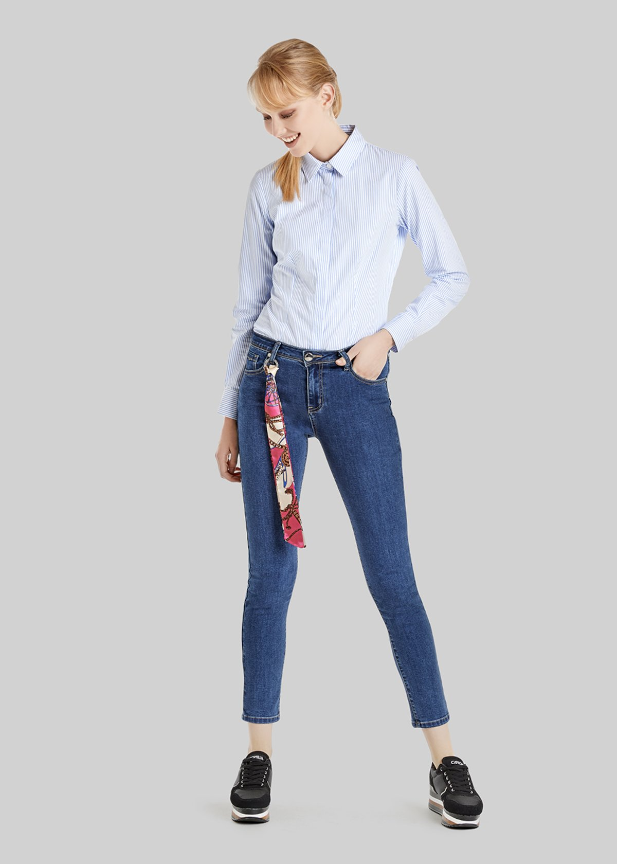 Daisy denim trousers with printed scarf - Denim - Woman - Category image