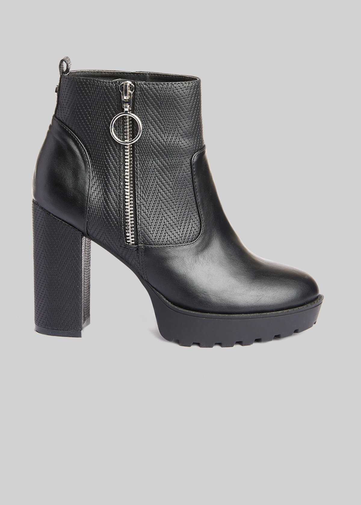 Faux-leather Shasa boot with heel and plateau - Black