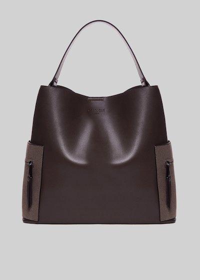 Bonny bucket bag with beauty case inside and side pockets