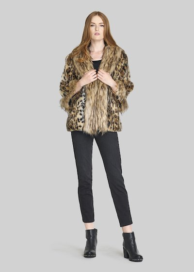 Cappotto Gabril in ecopelliccia con over fur collar