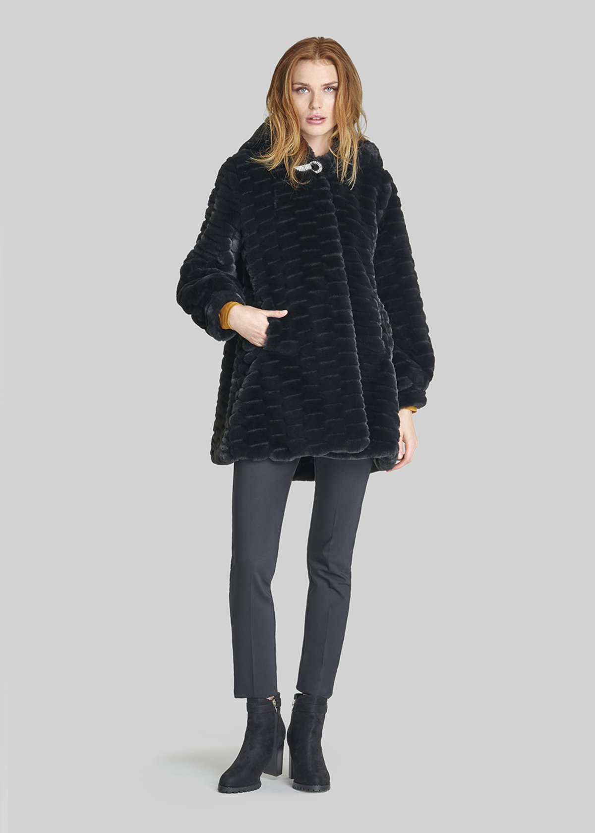 Cappotto Charles in ecopelliccia con cappuccio e gancio in strass - Black - Donna - Immagine categoria