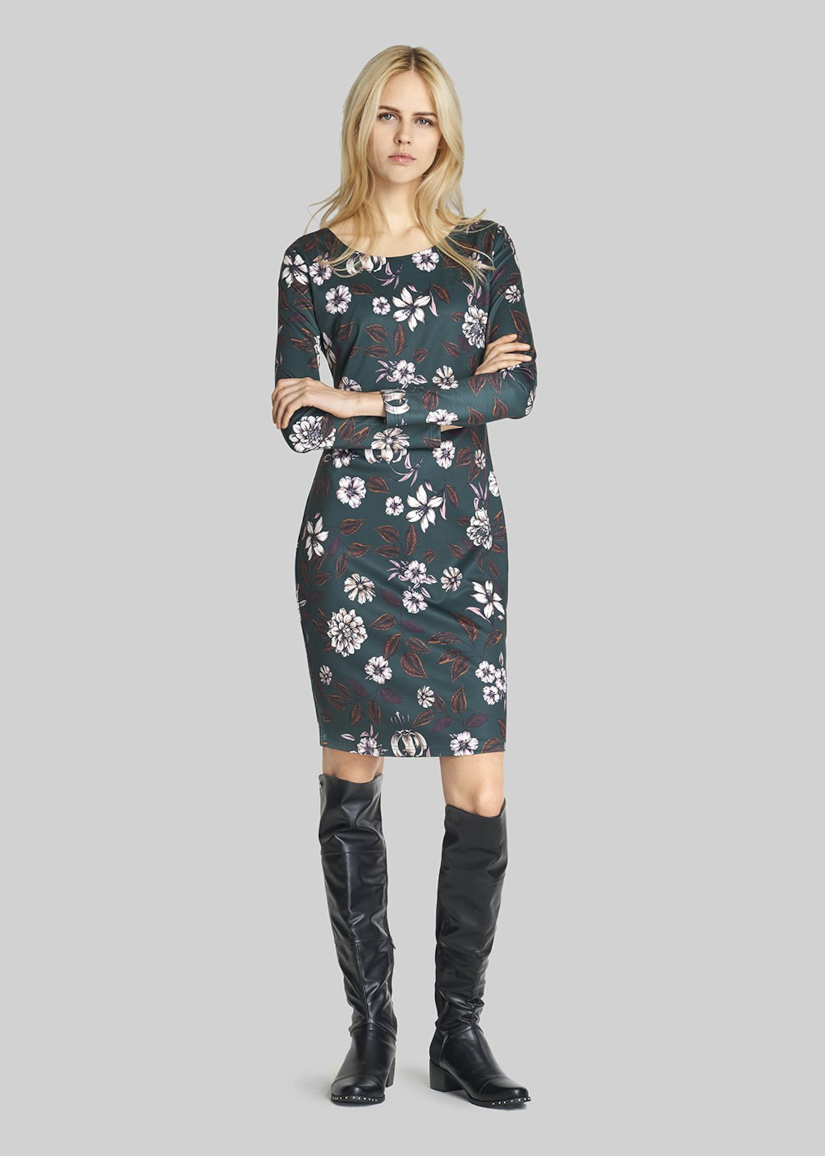 Avril dress floral pattern with boat neckline