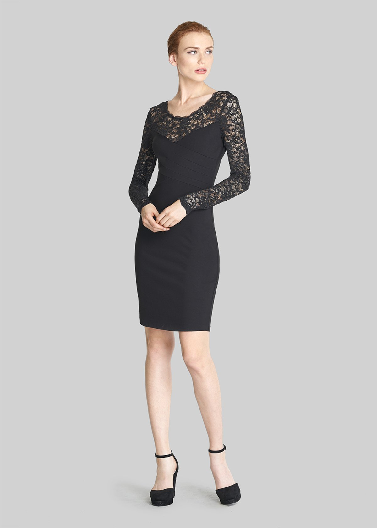 Amely dress with heart neckline and lace detail - Black