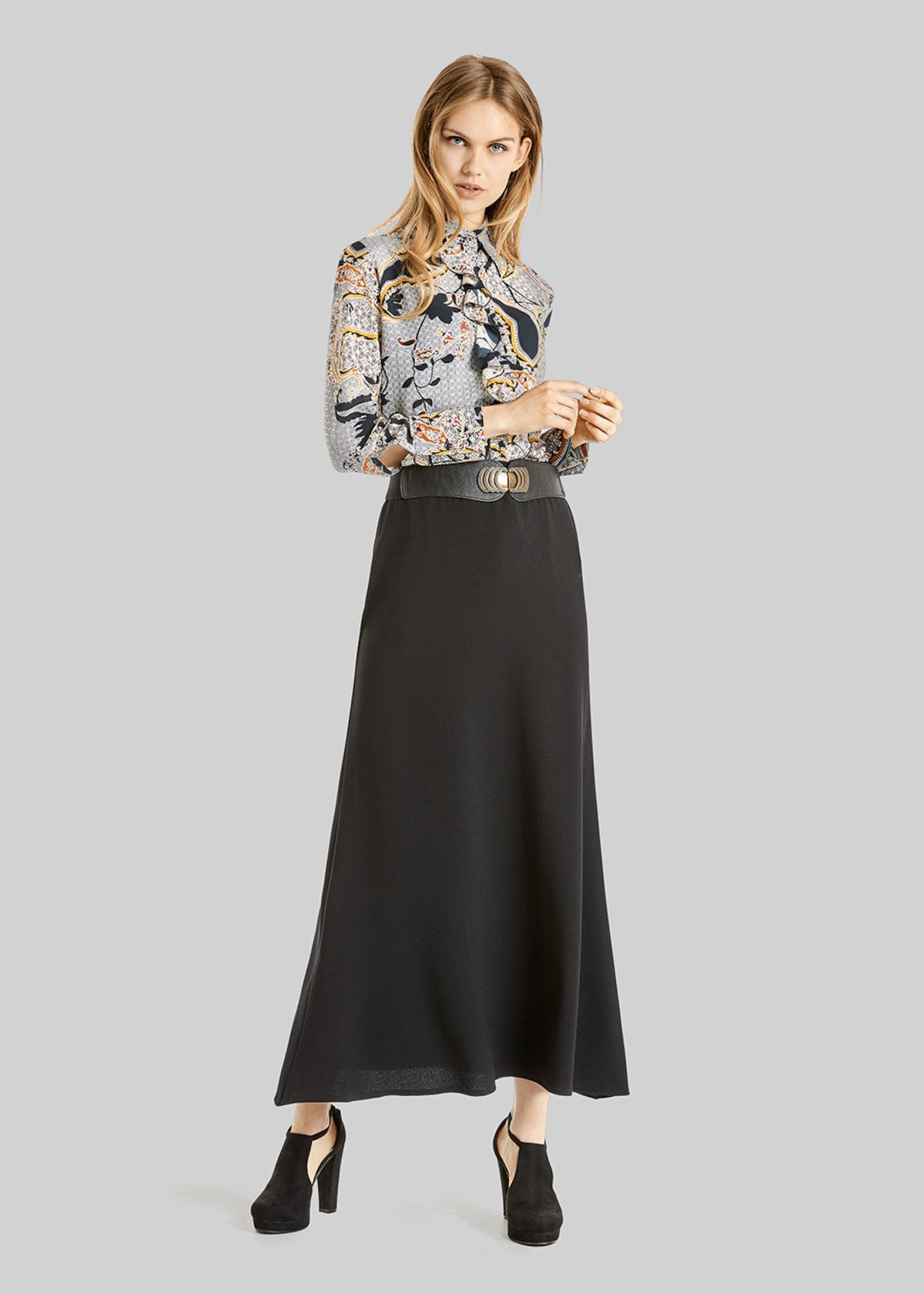 Giuliana long skirt in crepe with elastic band