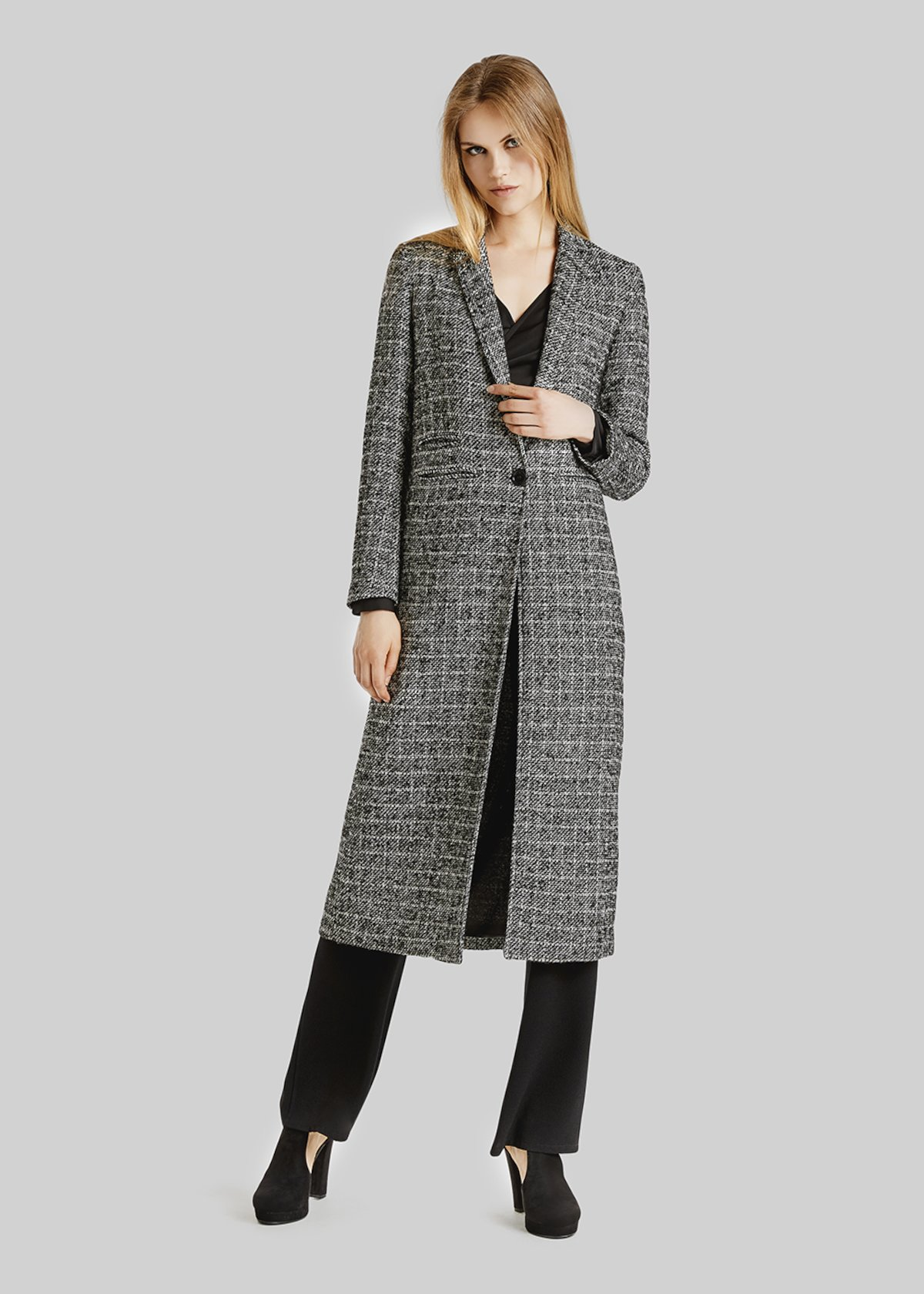 Cold long coat in in salt and pepper fabric
