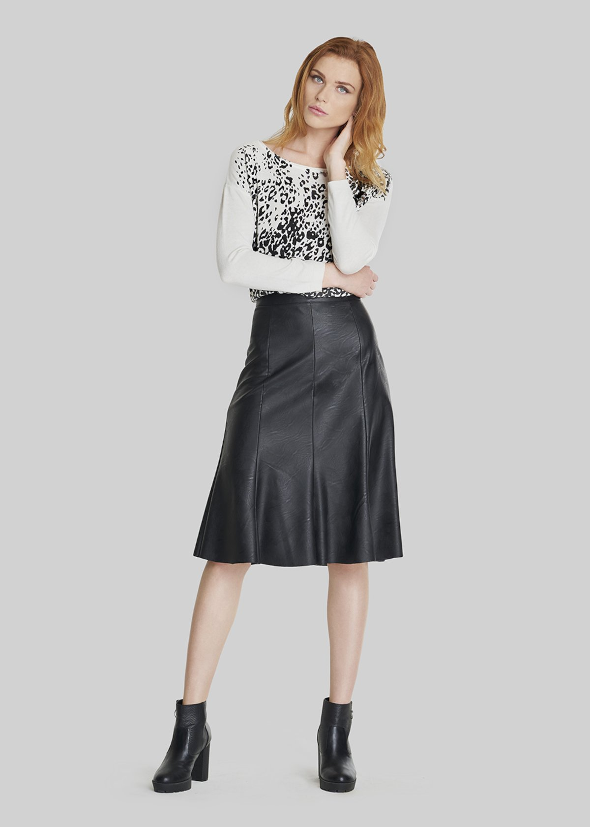 Gecky skirt of faux leather in wedges