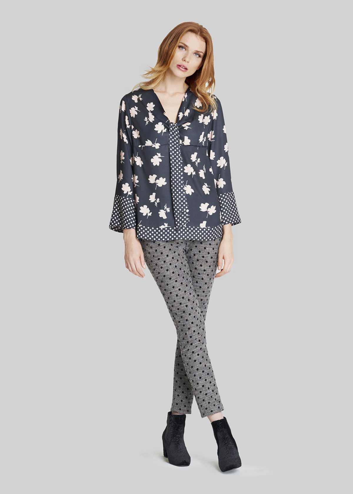 Pluton jeggings trousers with polka dot pattern and velvet bustier