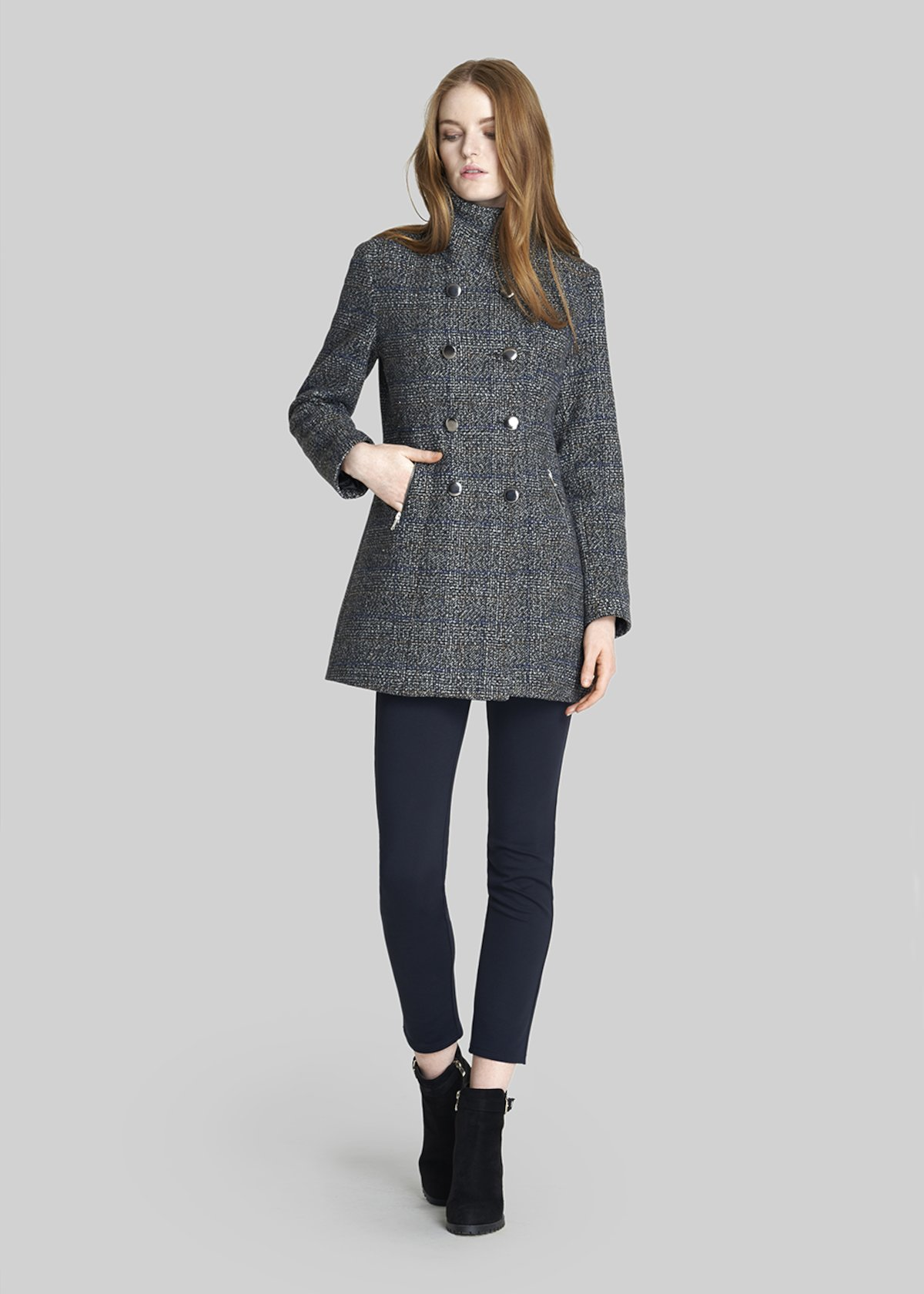 Clod coat elixir model with double breast and high collar