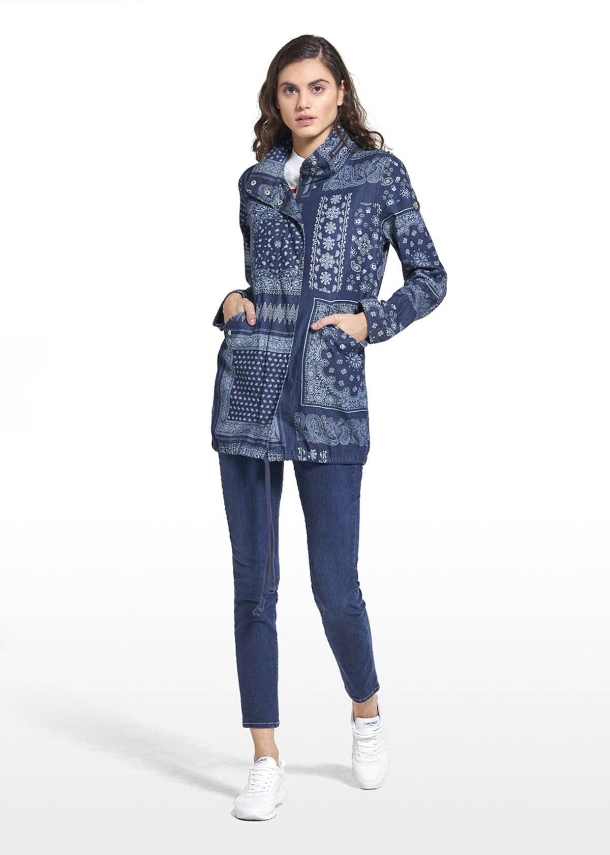 All over printed Parka Glossy with drawstring at the waist - Dark Denim / White / Fantasia - Woman