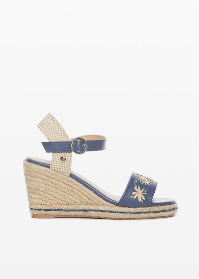 Faux leather and straw Saint sandals with flowers detail