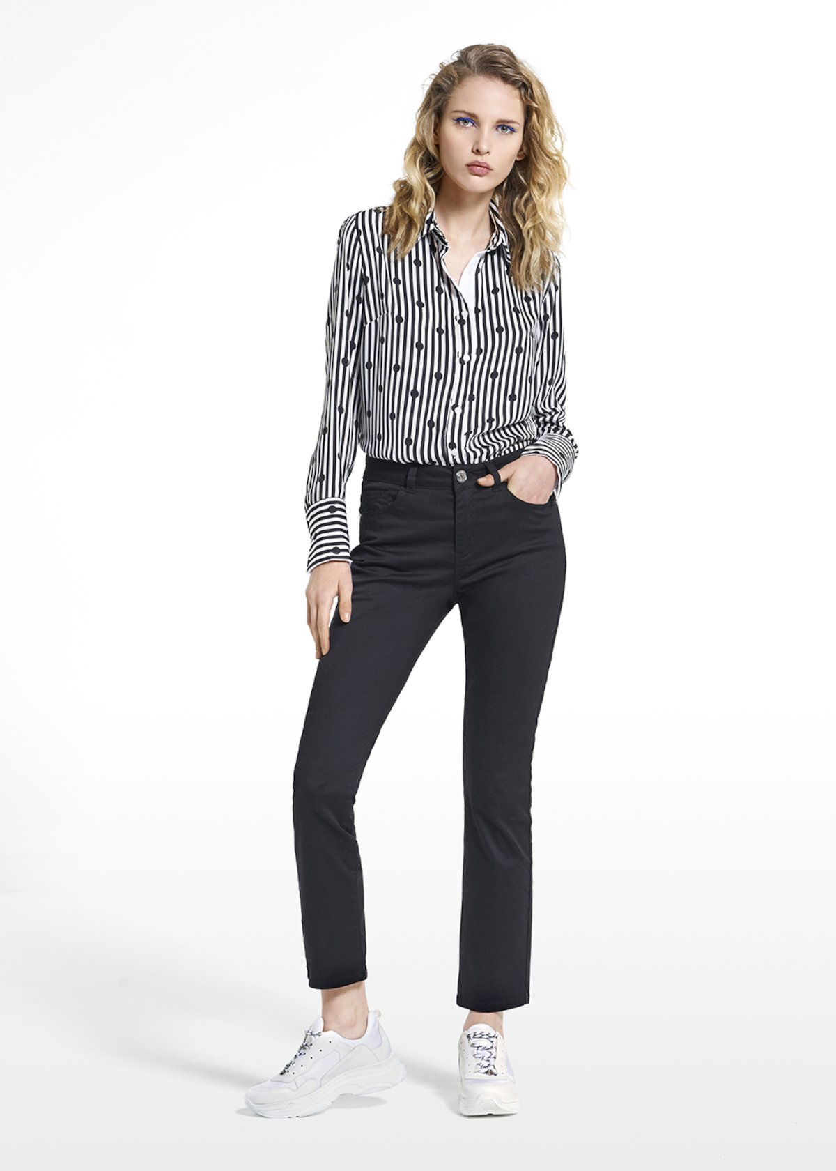 Long-sleeved patterned blouse Carla - White / Black Stripes - Woman