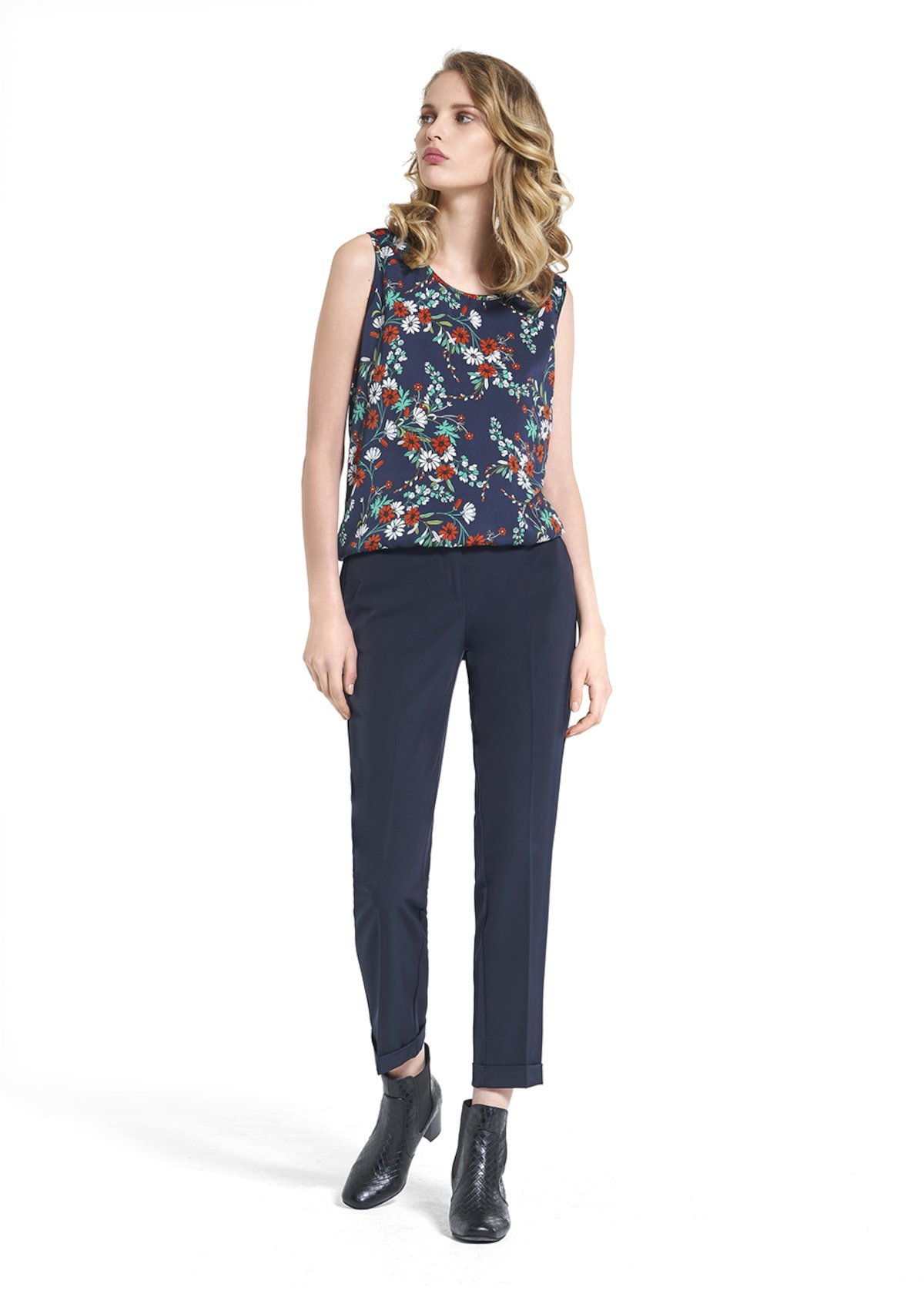 Top Ted with romantic floral pattern - Blue / White Fantasia - Woman
