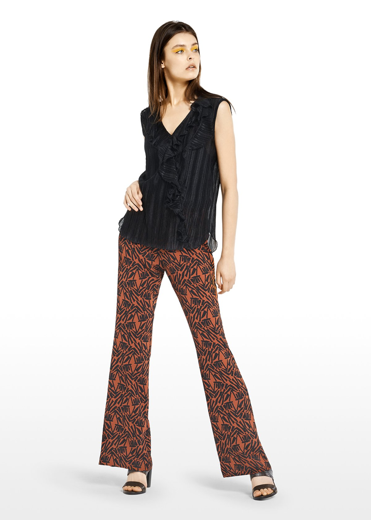 Two-piece Thea suit with pleated top and ethno fantasy pants - Carota / Black  Fantasia - Woman