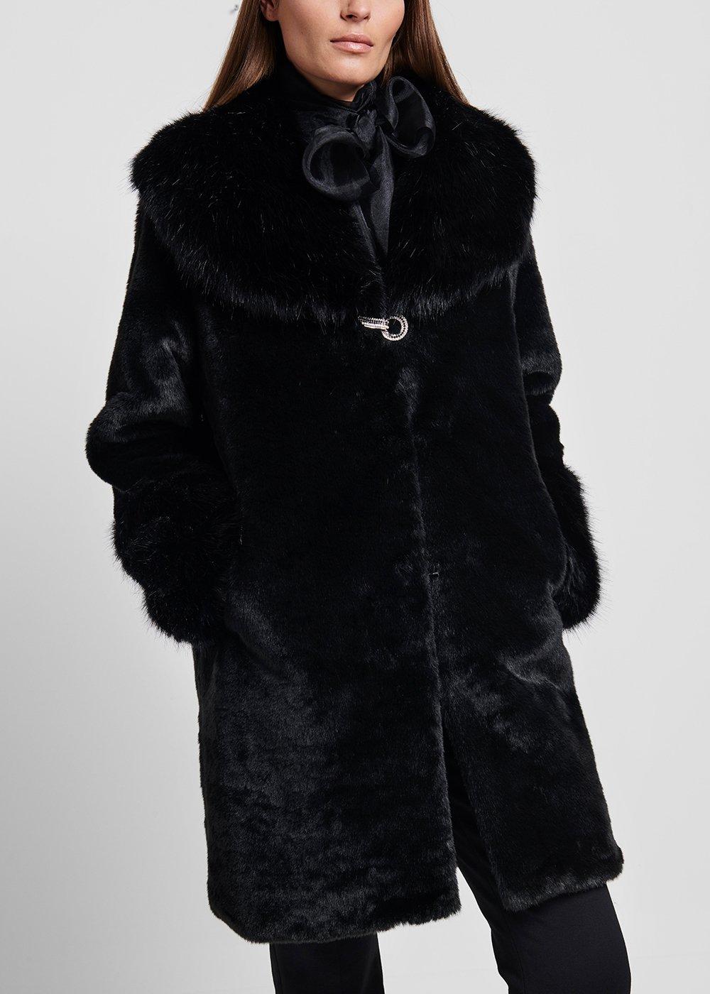 Cappotto in eco pelliccia a pelo lungo con chiusura gioiello - Black - Donna