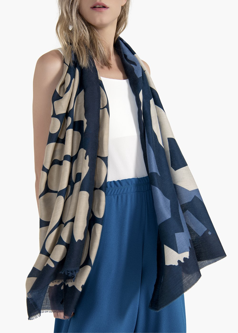 Sharylin scarf with abstract design - Medium Blue / Avion Fantasia - Woman