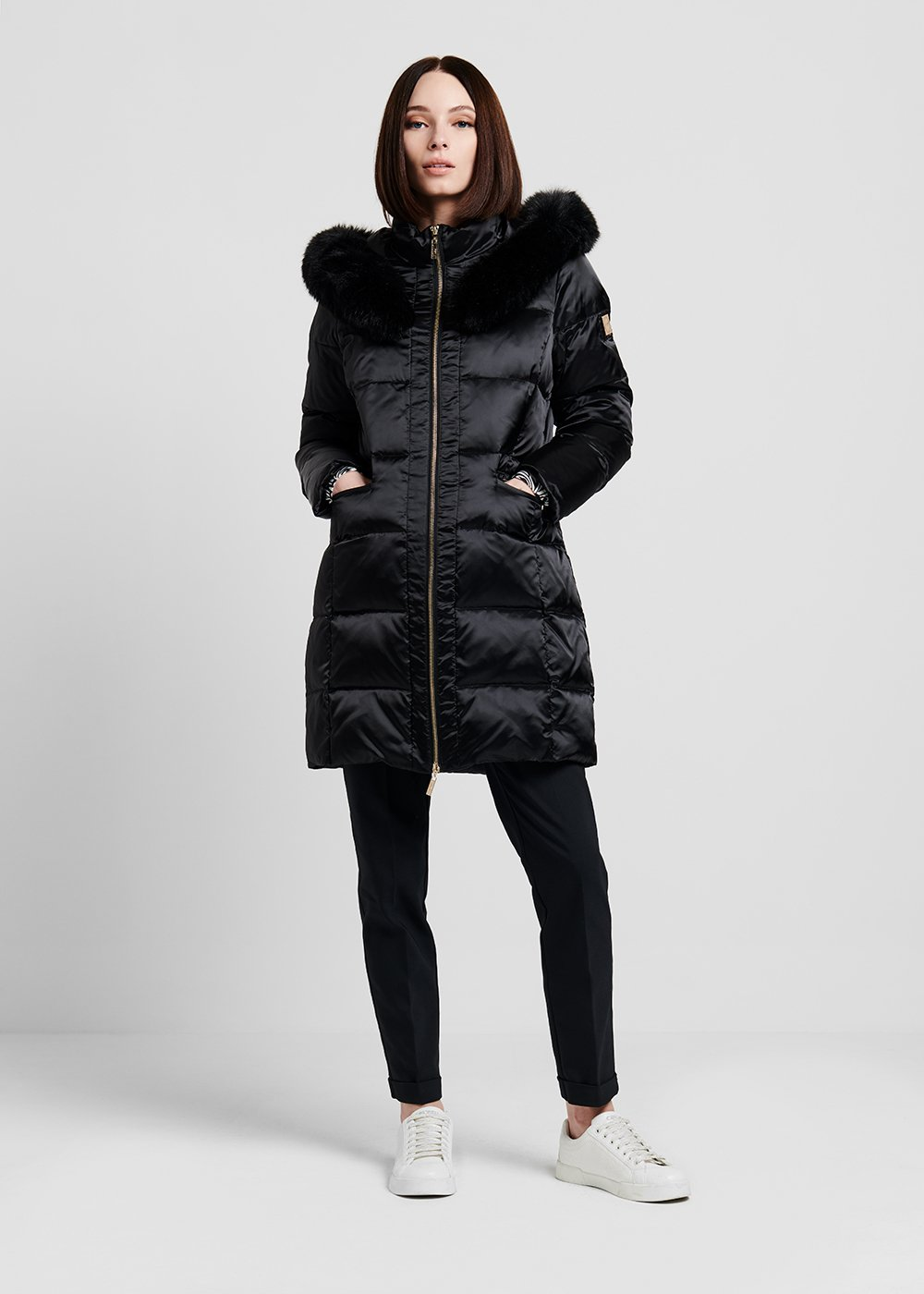 Long down jacket with coordinated faux-fur hood - Black - Woman