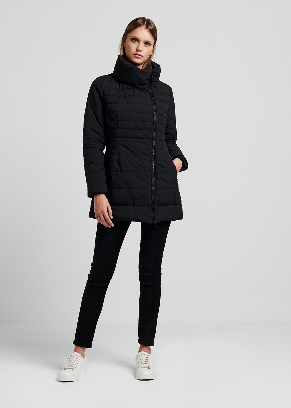 Long down jacket in technical fabric with ring collar