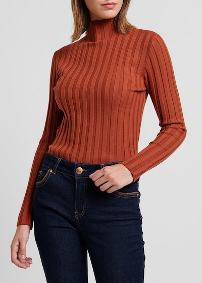 Rust - colored turtleneck sweater with ribs