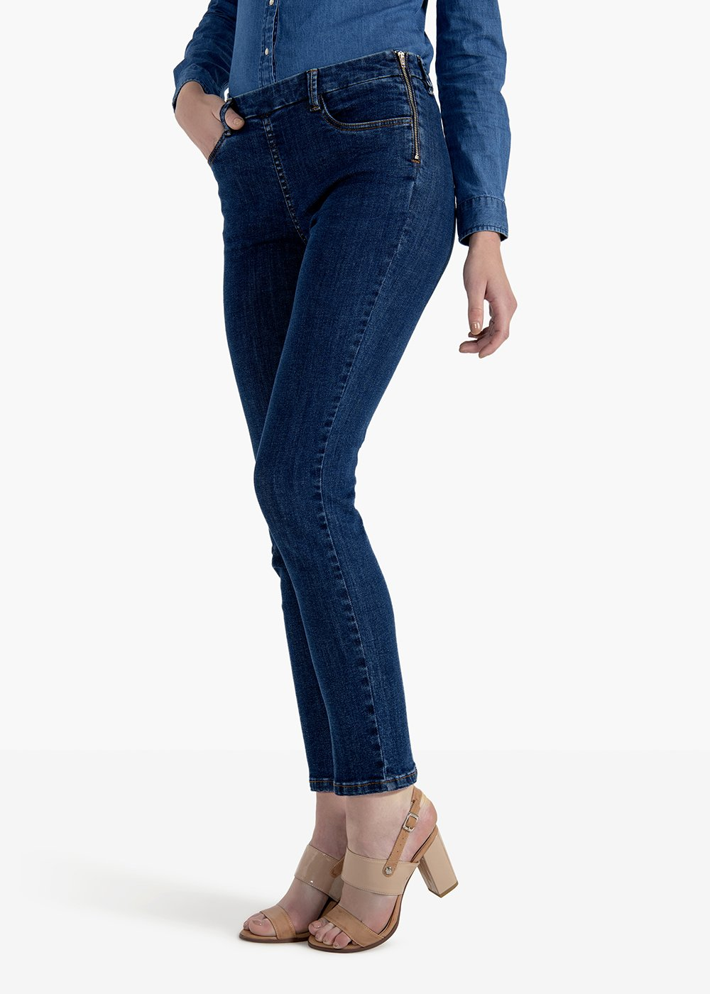 Scarlett trousers in skinny denim model - Medium Blue - Woman