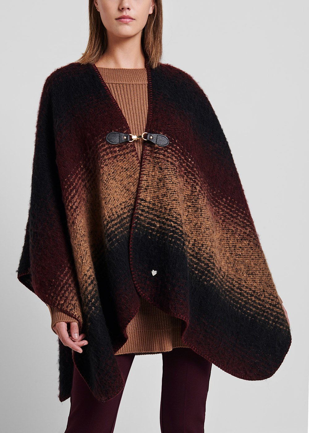 Shaded cape with faux-leather closure with hook - Amarena Black - Woman