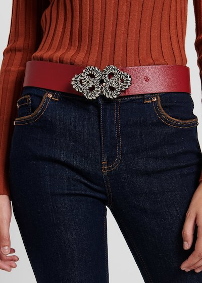 Cordes belt with metal torchon flower