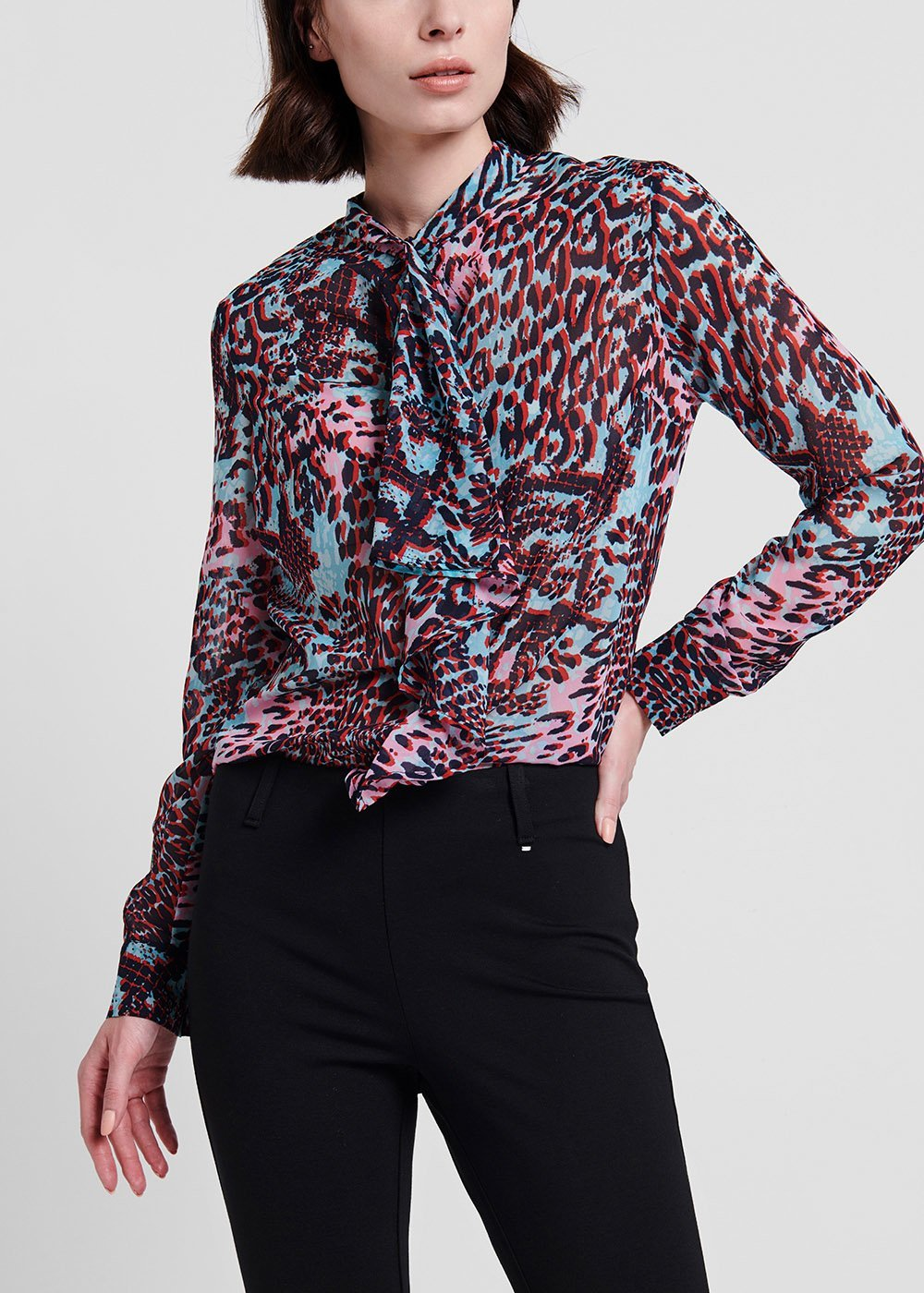 Carola shirt with 3D effect - Laguna /  Black Animalier - Woman