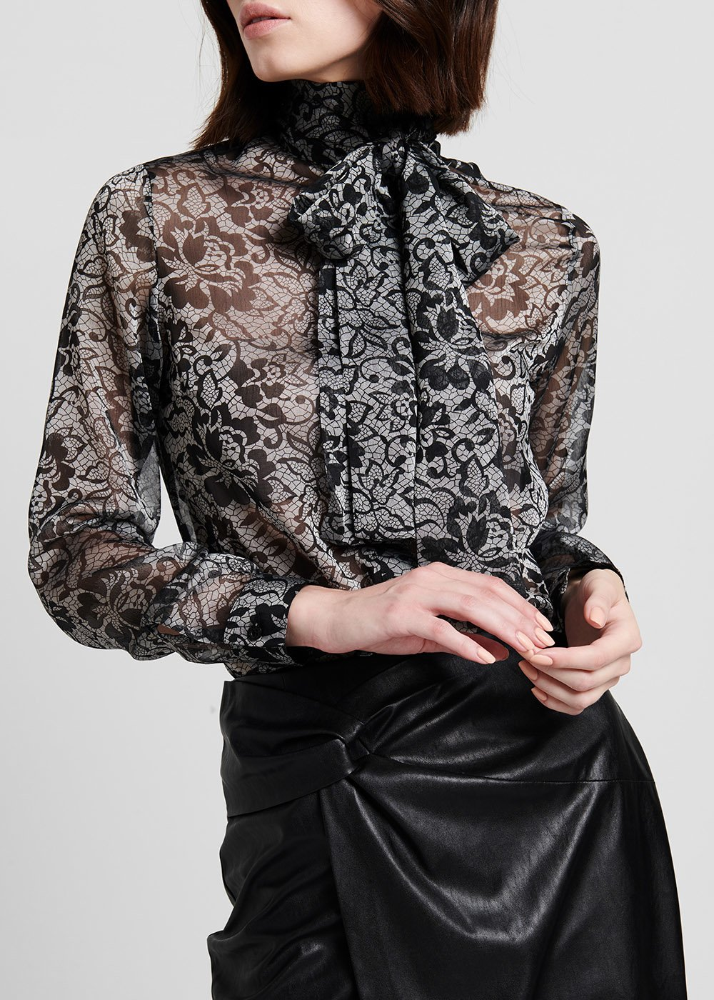 Organza shirt with bow on the neckline - Grey / Black Fantasia - Woman