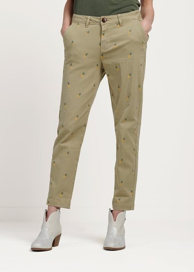 Pamir safari capri trousers with pineapple print
