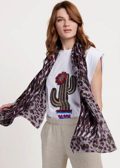 Sarah scarf with geometric print