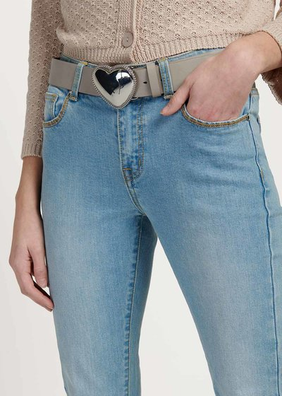 Coras belt with heart-shaped buckle