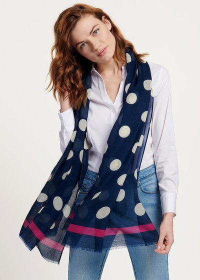 Shel scarf with polka dot pattern