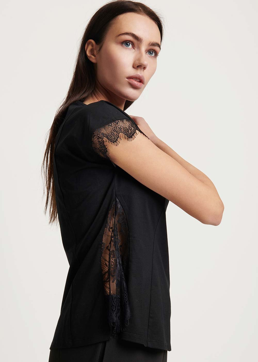 Sharyl T-shirt with lace detail - Black - Woman