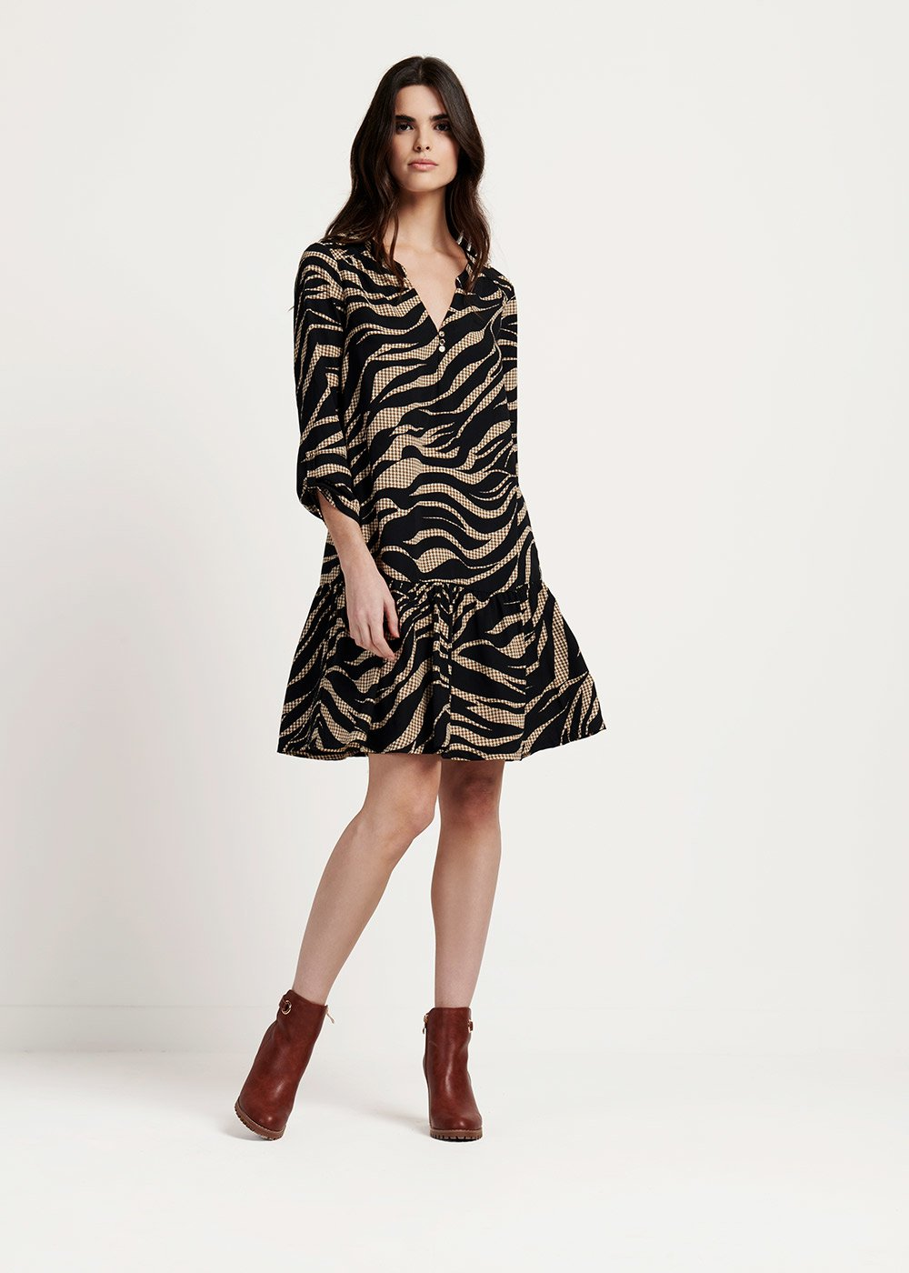 Annique patterned dress with frills at the bottom - Black / Doeskin-Fantasia - Woman