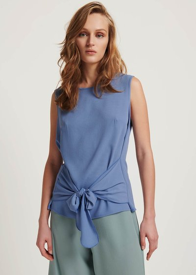 Tailor top with bow detail